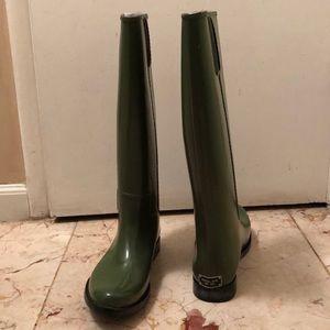 Michael Kors olive green rain boots